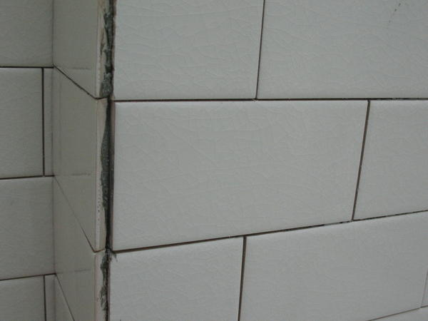 Little Or No Spacing Between Glass Subway Tiles Page 2