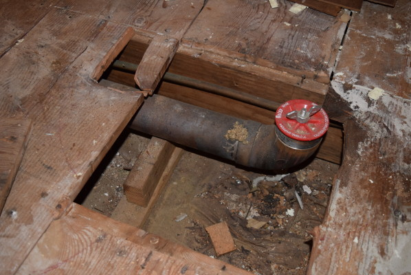 Name:  2020-10-20 drain pipe mount.JPG Views: 124 Size:  99.2 KB