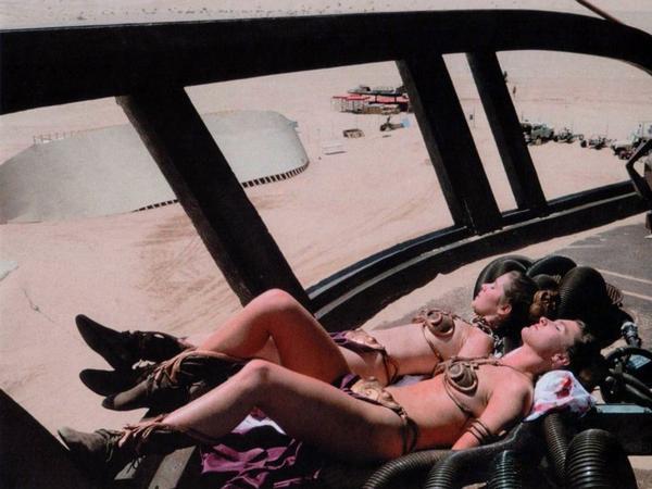 Name:  Princess-Leia-behind-the-scenes-starwars2.jpg Views: 86 Size:  40.7 KB