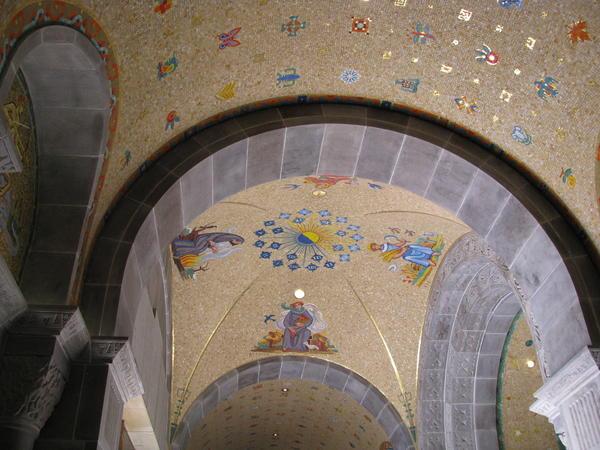 Name:  St. Andre de Beaupre shrine 011.jpg Views: 88 Size:  50.8 KB