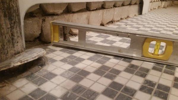 Name:  Base Floor unlevel.jpg Views: 130 Size:  31.6 KB