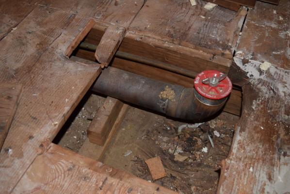 Name:  2020-10-20 drain pipe mount.JPG Views: 166 Size:  99.2 KB
