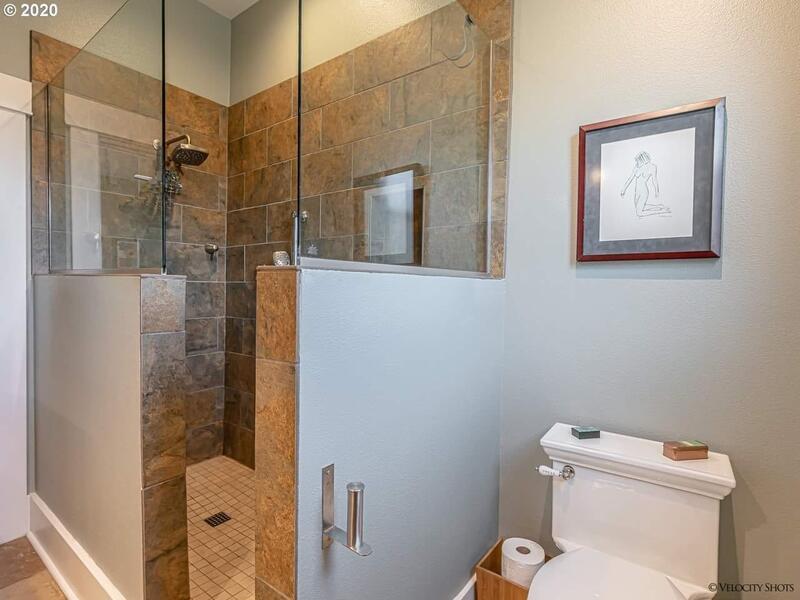 Name:  flipper bathroom.jpg Views: 637 Size:  52.1 KB