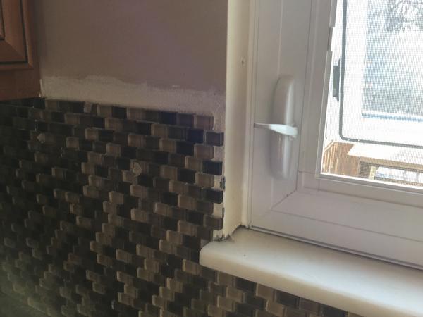 what to do at edges of glass tile backsplash ceramic tile advice forums john bridge ceramic tile. Black Bedroom Furniture Sets. Home Design Ideas