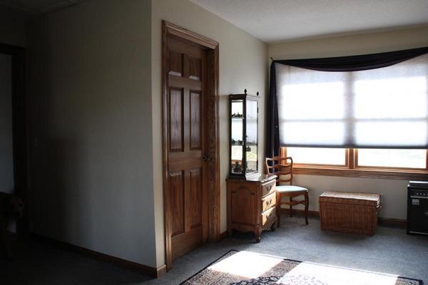 Name:  bedroom.jpg Views: 6083 Size:  23.9 KB