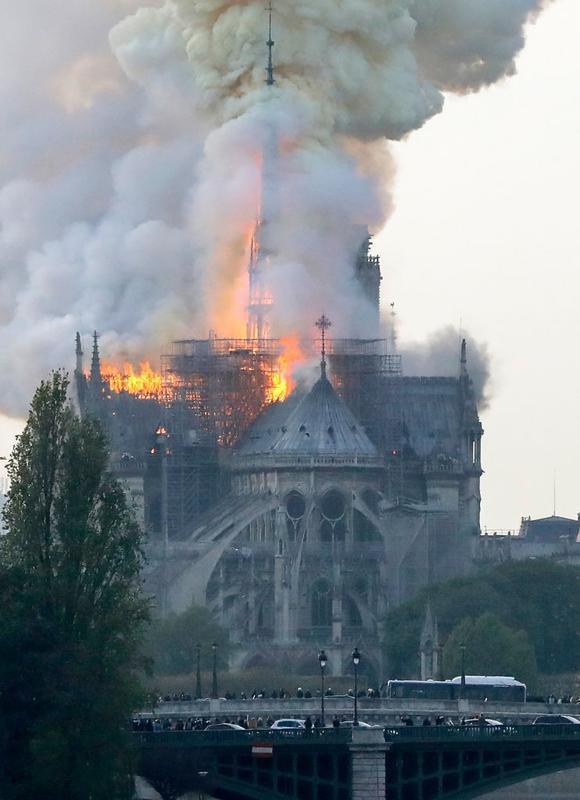 Name:  Notre Dame 005.jpg Views: 138 Size:  49.8 KB