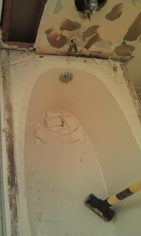 Name:  Mold_by_tub2.jpg