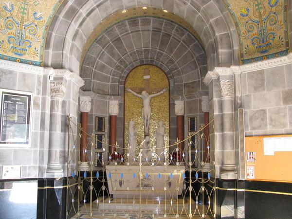 Name:  St. Andre de Beaupre shrine 009.jpg Views: 86 Size:  60.5 KB