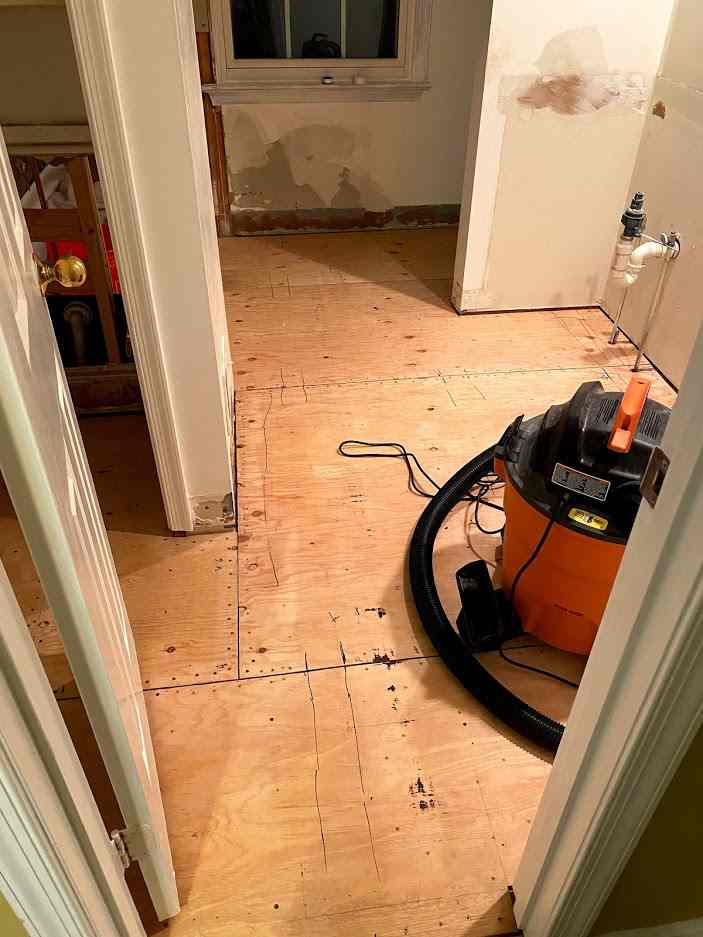 Name:  new plywood floor.jpg Views: 71 Size:  44.4 KB