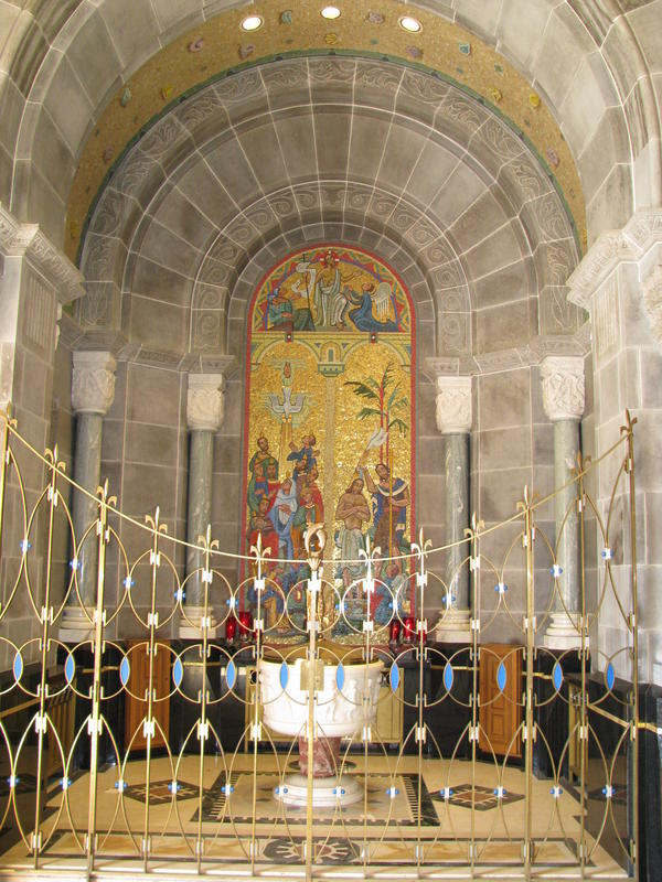 Name:  St. Andre de Beaupre shrine 036.jpg