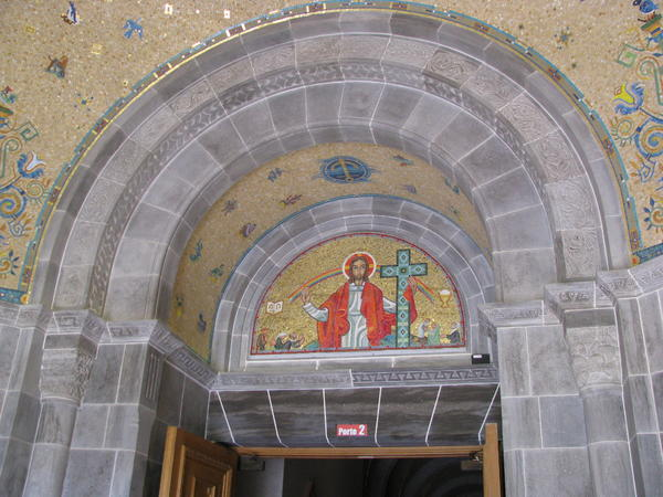 Name:  St. Andre de Beaupre shrine 037.jpg