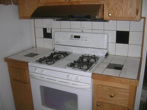 Name:  Kitchen - stove - counter.jpg Views: 6061 Size:  33.7 KB