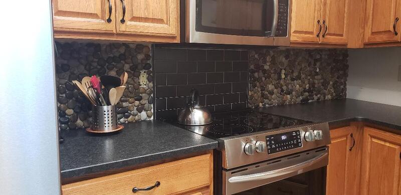 Name:  kitchen stone 3.jpg Views: 208 Size:  48.5 KB