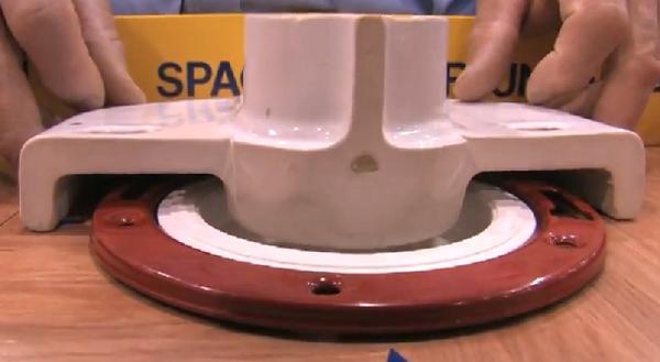 Name:  Toilet Flange Seal Cutaway.jpg Views: 89 Size:  21.2 KB